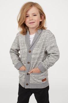Family Photo Outfits, Boy Outfits, Family Photos, Fashion Themes, Kids Fashion, Shawl Collar Cardigan, Fashion Company, Grey Sweater, Style Guides