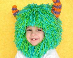 Monster monstruo azul y púrpura con cuernos sombrero por YumbabY