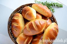 Bułki mleczne. Domowa wersja popularnych bułek mlecznych, które oryginalnie… Bread Bun, Bread Rolls, Sweet Recipes, Healthy Recipes, Bread And Pastries, Home Baking, Polish Recipes, Different Recipes, Bread Recipes