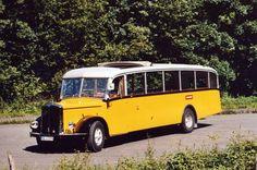 Schweizer Schnauzenbus; Saurer Postauto.