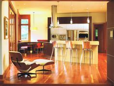 Enchanting Italian Kitchen Design for New Kitchen Look: Sensational Modern Kitchen Interior Used Italian Kitchen Design With Nook Furniture . Modern Kitchen Interiors, Modern Kitchen Cabinets, Contemporary Kitchen Design, Kitchen Ideas, Kitchen Modern, Kitchen Pictures, Kitchen Decor, Kitchen Inspiration, Small Galley Kitchens