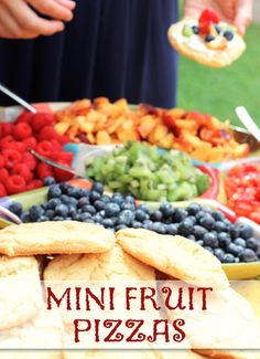 Try these mini fruit pizzas for a healthy and fun meal with the kids.