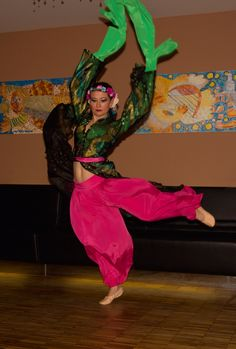 Chinese bellydance fusion with water sleeves