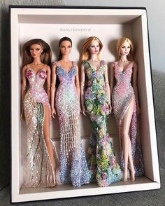 Barbie Dolls Diy, Barbie Fashionista Dolls, Diy Barbie Clothes, Vintage Barbie Dolls, Doll Clothes, Barbie Gowns, Barbie Dress, Fashion Royalty Dolls, Fashion Dolls