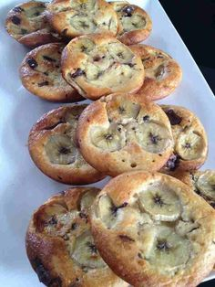 Tartlets without chocolate banana dough. I often make quiche without dough Tartlets without chocolate banana dough. I often make quiche without dough Mini Desserts, Light Desserts, Breakfast Baked Potatoes, Weight Watchers Kuchen, Sweet Recipes, Cake Recipes, Banana Oatmeal Cookies, Oatmeal Muffins, Mini Muffins