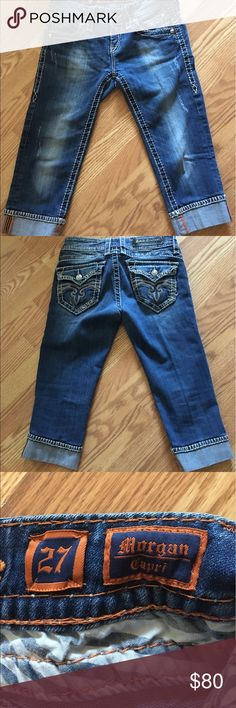 Rock Revival Capri Jeans Women's Rock Revival Capri Jeans size 27 in excellent condition.  Super cute for summer with a tank and some sandals! Smoke free/pet free home 🏡 Rock Revival Jeans Ankle & Cropped