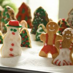 NESTLÉ® TOLL HOUSE® Holiday Cookie Platter   Holiday Cottage