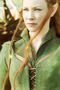 So, I'm not a big fan of Tauriel. Legolas is wayy better than Kili. But she is a nice addition for some people, and I have no probs with others liking her. Legolas, Tauriel, Thranduil, Gandalf, O Hobbit, The Hobbit Movies, Evangeline Lily, Elfa, Blog Couture