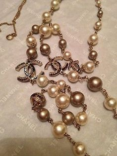 AUTHENTIC CHANEL NIB PEARL DESIGN LONG NECKLACE WHITE AND BROWN CHAIN