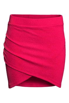 Fashion and quality clothing at the best price Red Skirts, Short Skirts, Mini Skirts, Red Mini Skirt, Wrap Around Skirt, Jersey Skirt, H&m Fashion, Western Outfits, My Wardrobe