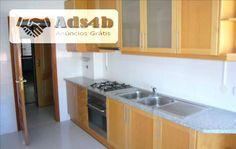 Maravilhoso apartamento T3 localizado no concelho de Alenquer, nomeadamente na freguesia de , com uma área de Santo Estevão e Triana. Imóvel com boas acessibilidades. Na proximidade encontra...