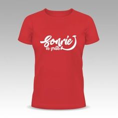 deliras camiseta roja chico sonrie