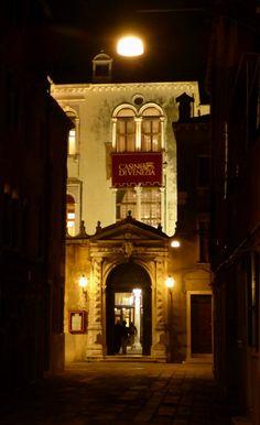 Schöne Nackte Nachts Am Casino, Cannaregio, Venedig   Foto: S. Hopp |  Venedig | Pinterest
