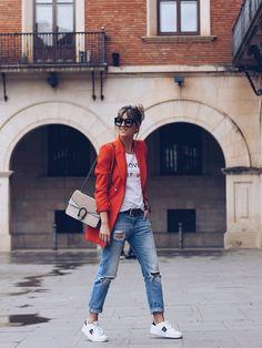 cómo combinar un blazer rojo 2
