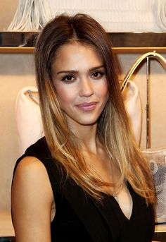 jessica-alba-sexy-black-dress-06.jpg