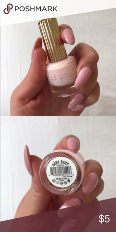 Floss Gloss Nail Polish floss gloss ~ pro nail lacquer in color BABY BABY 🌸🌸🌟 FG031 Spring 2015 the grand supreme of the babiest pastel pink cremes! hardly used, only tested for color on two fingers 99% FULL ** color i am wearing in this photo is NOT the same as the product in the bottle! Floss Gloss Makeup
