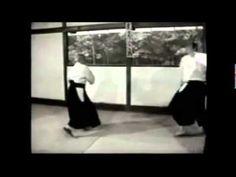 O sensei Morihei Ueshiba aiki taiso - YouTube