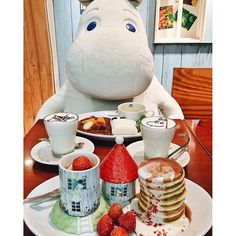 Swapped my date, @jamesofgee for Moomin!  At Moomin house cafe in Tokyo, you get to enjoy your themed lunch with Moomin and friends!!  @visitjapanau