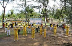 Indonesia: Recognizing World Falun Dafa Day in Batam   Falun Dafa - Minghui.org