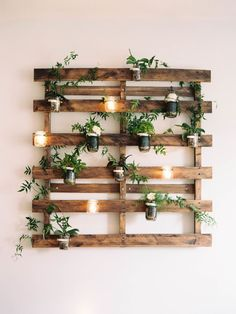 49 Beste Gläser Garten Wohnkultur Ideen - Diy und Deko To decorate with real. - 49 Beste Gläser Garten Wohnkultur Ideen – Diy und Deko To decorate with real plants means to - Wood Pallet Planters, Pallet Garden Walls, Wood Pallet Beds, Pallet Bed Frames, Tire Planters, Pallet Chair, Pallet Fence, Outdoor Pallet, Diy Casa