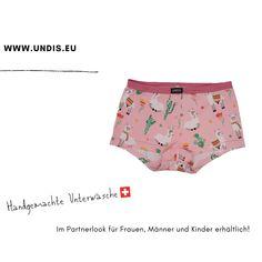 UNDIS www.undis.eu Bunte, lustige und witzige Boxershorts & Unterwäsche für Männer, Frauen und Kinder. Ein tolles Geschenk für den Vatertag, Muttertag oder Geburtstag! Partnerlook für Herren, Damen und Kinder. online bestellen unter www.undis.eu #geschenkideenfürkinder #geschenkefürkinder #geschenkset #geschenkideenfürfrauen #geschenkefürmänner #geschenkbox #geschenkidee #shopping #familie #diy #gift #children #sewing #handmade #männerboxershorts #damenunterwäsche #schweiz #österreich #undis Casual Shorts, Fashion, Mother Daughter Outfits, Father Daughter, Father And Son, Funny Underwear, Gift Ideas For Women, Men's Boxer Briefs, Moda
