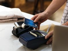 Consolidate Credit Card Debt Without Hurting Your Credit Score - Raletta - credit cards Business Credit Cards, Best Credit Cards, Credit Score, Union Credit, Business Tips, Credit Rating, Scores, The Borrowers, Things To Sell