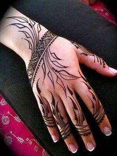 "Mehndi or Henna word comes from the Sanskrit Language as ""Mendhika"". Henna Mehndi designs became a new cool, where they … Henna Tatoos, Mehndi Tattoo, Henna Tattoo Designs, Henna Mehndi, Mehandi Designs, Henna Inspired Tattoos, Easy Mehndi, Pakistani Mehndi, Arabic Mehndi"