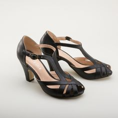 Nothing compliments a wardrobe more than an excellent all-around retro shoe like Carly. With the iconic t-strap, sophisticated peep toe, and a comfortable, well-balanced heel, the Carly Retro T-Straps will carry you through all seasons in style. Pair the Carly Retro T-Straps with vintage and modern