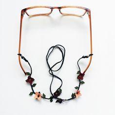 N-G111884İpek İğne Oyası Gözlük Askısı