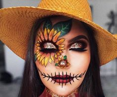 Looking for for inspiration for your Halloween make-up? Browse around this site for cute Halloween makeup looks. Cute Halloween Makeup, Halloween Eyes, Halloween Makeup Looks, Creepy Halloween, Halloween City, Face Paint For Halloween, Halloween Makeup Tutorials, Halloween Dress Up Ideas, Facepaint Halloween