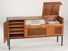 Braun HM 5 stereo cabinet made of walnut, Germany, 1959 | Auctionata