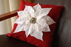 PB Knock Off: Poinsettia Pillow - crafterhours