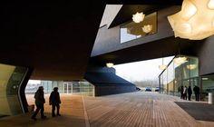 Vitra Campus  Das VitraHaus, gebaut von Herzog & de Meuron, ist das Zuhause der Vitra Home Collection.