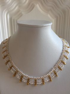 Pearl Necklace Designs, Gold Earrings Designs, Gold Jewellery Design, Bead Jewellery, Beaded Jewelry, Bracelets Design, Indian Jewelry Sets, Choker, Bridal Jewelry