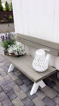 Rustic Farmhouse Furniture, Hanging Canvas, Artist Canvas, Outdoor Furniture, Outdoor Decor, Recycled Materials, Decorative Items, Easy Crafts, Garden Design