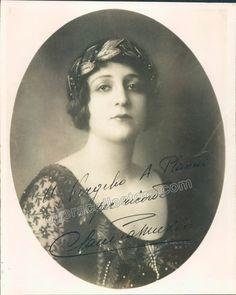 Muzio, Claudia - Signed photo