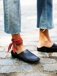 Brooklyn Flat | Sleek leather flat with a modern feel. Features an ever-so-subtle block heel with an open back design. Padded footbed for a comfortable step.