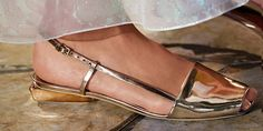 Shoe shine: a metallic flat slingback #toryburch #toryburchss16 #nyfw