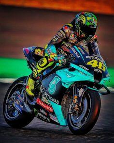 Motorcycle Suit, Motorcycle Racers, Motorcycle Design, Valentino Rossi Logo, Motogp Valentino Rossi, Vale Rossi, Yamaha Logo, Bike Style, Sport Bikes