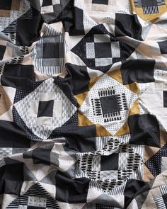sewing projects sewing for beginners sewing pictures sewing clothes sewing crafts sewing ideas sewing tutorials Quilting Projects, Quilting Designs, Sewing Projects, Quilting Ideas, Quilt Design, Sewing Crafts, Neutral Quilt, Black And White Quilts, Andover Fabrics
