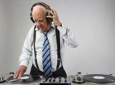 Seu trabalho é o que você ouve: As infinitas possibilidades de influência da música na vida das pessoas incluem o universo do trabalho. Em que medida isso afeta a sua rotina?  http://www.endeavor.org.br/endeavor_mag/start-up/aprendendo-a-ser-empreendedor/o-trabalho-e-o-que-voce-ouve