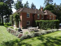 New Isle House, nr Highclere Castle, Berks. Holiday house for rent from £1000/PN with the added security of our fraud protection.