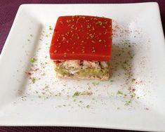 Crabe à l'avocat, tomates au citron vert sur toast
