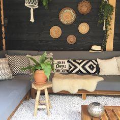 Irene's dreamy house and garden in The Netherlands (decordemon) Small Backyard Patio, Rooftop Patio, Backyard Retreat, Outdoor Living Rooms, Outdoor Spaces, Interior Garden, Easy Home Decor, Summer Garden, Garden Inspiration