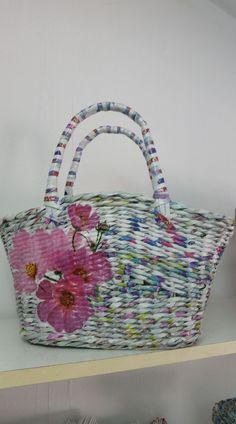 Newspaper Bags, Newspaper Basket, Paper Art, Paper Crafts, Paper Weaving, Paper Magic, Basket Weaving, Handicraft, Christmas Time