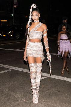 Nicole Scherzinger Puts On A Busty Display As Cleopatra