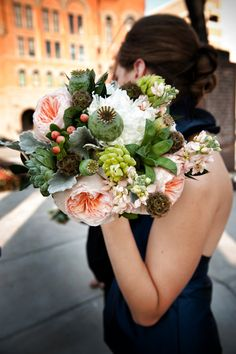 Textural bouquet featuring English (garden) roses, succulents, and poppy pods (popaver). Silk Wedding Bouquets, Garden Wedding Dresses, Flower Bouquet Wedding, Rose Bouquet, Bridesmaid Bouquet, Floral Wedding, Bridesmaids, Wedding People, Dallas Wedding