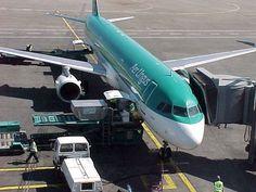 Loading Aer Lingus A320 at Dublin Airport