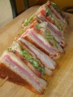 Vips club sandwich, Petitchef Recipe - A tribute to the famous VIPS sandwich. – Recipe Dish: Sandwich club vips by La_Cocinera_Novata - Good Food, Yummy Food, Tasty, Monte Cristo Sandwich, Fingerfood Party, Cooking Recipes, Healthy Recipes, Sandwich Recipes, Pan Sandwich