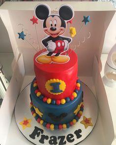 Mickey Mouse #cake #cakes #cakelove #cakesofig #cakesofinstagram #birthdaycakes #birthday #birthdayboy #mickey #mickeymouse #mickeymousecake #disney #disneycakes #happybirthday #cakestagram #kakekaren #glasgowbaker #fondanticing